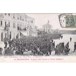 LA MADDALENA - IL GIORNO DELLO STATUTO IN PIAZZA UMBERTO I, CARTOLINA VIAGGIATA 1904